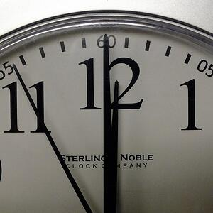 clock-334117_640.jpg